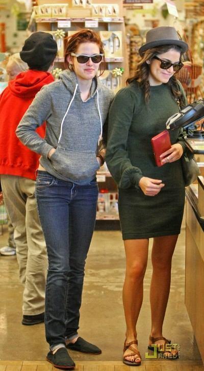 Kristen And Nikki - best buds