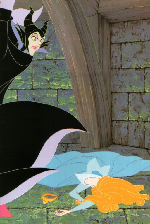 Le lien entre La Belle au Bois dormant(1959) et Maléfique(2014) SPOILER!!! Maleficent-sleeping-beauty-6640628-513-768