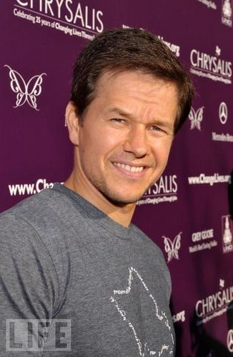 Mark Wahlberg fondo de pantalla containing a sign entitled MarkWahlberg<3!