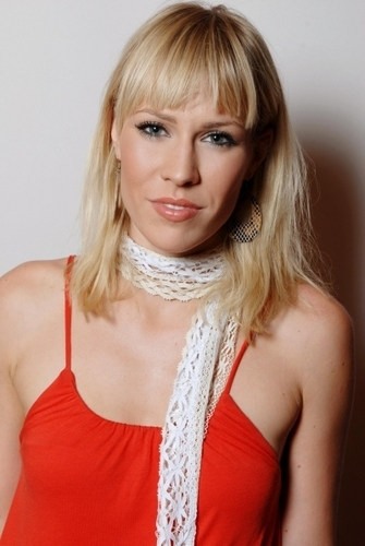 Natasha Bedingfield wallpaper probably containing attractiveness and a portrait called Natasha