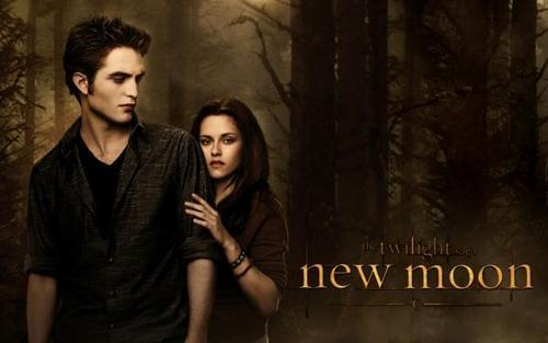 Twilight Saga Фильмы Обои probably with a well dressed person, a street, and a sign titled New Moon <3