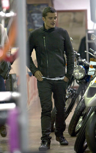 Orlando Bloom out in Sydney