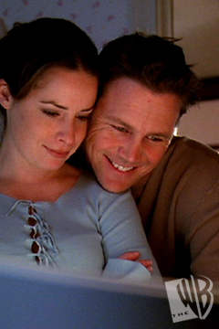 Piper Halliwell fond d'écran probably with a laptop titled Piper and Leo