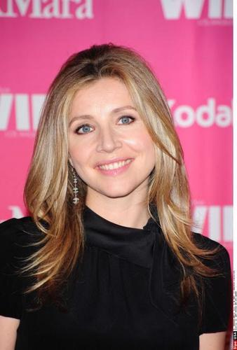 SARAH CHALKE at the Women In Film 2009 Crystal and Lucy Awards.
