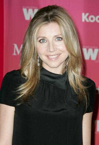 Sarah Chalke wallpaper probably containing a portrait called SARAH CHALKE at the Women In Film 2009 Crystal and Lucy Awards.