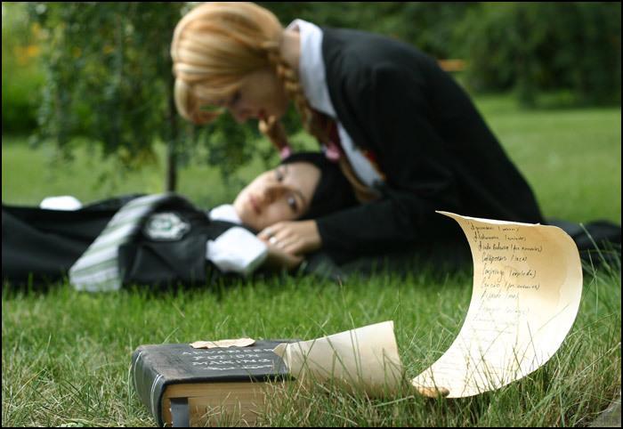 Un voeu, une image. Snape-Lily-severus-snape-and-lily-evans-6678571-700-482