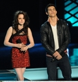 TK; MTV Movie Awards 2009 - jacob-and-bella photo