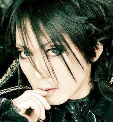 http://images2.fanpop.com/images/photos/6600000/Yuki-versailles-6660594-367-393.jpg