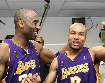 Los Angeles Lakers hình nền with a bóng rổ player titled kobe