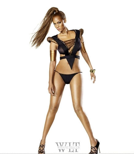 Tyra Banks wallpaper possibly with a maillot, a swimsuit, and attractiveness called tyra pose