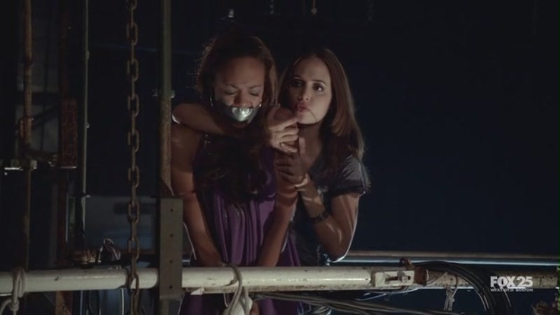 1x03-Stage Fright