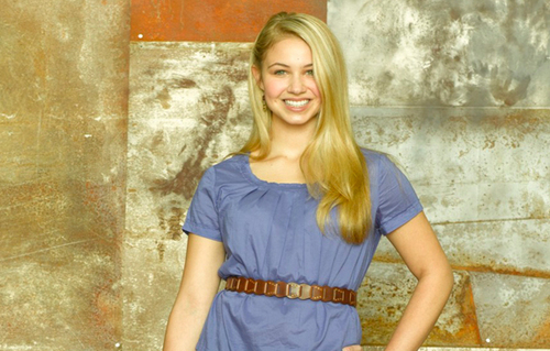 Ayla Kell as Payson Keeler - make-it-or-break-it Photo