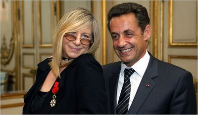 Barbra Streisand fondo de pantalla possibly containing a business suit called Barbra and Nicholas Sarkozy