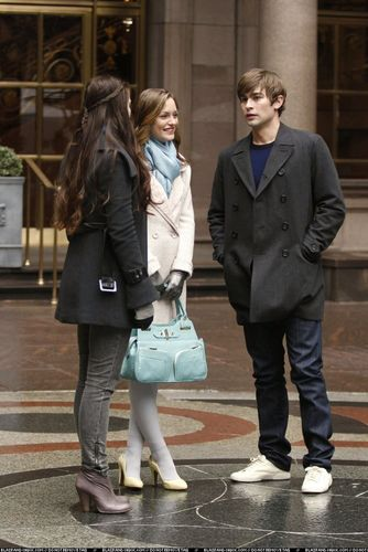 Blair/ New promo stills 2x23