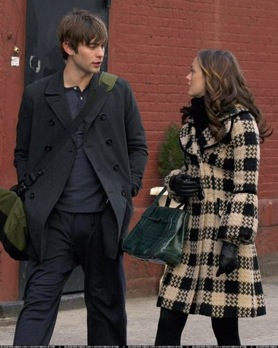 Blair/ New promo stills from 2x22