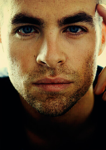 Chris Pine -  New Captain Kirk - star-trek-2009 Photo