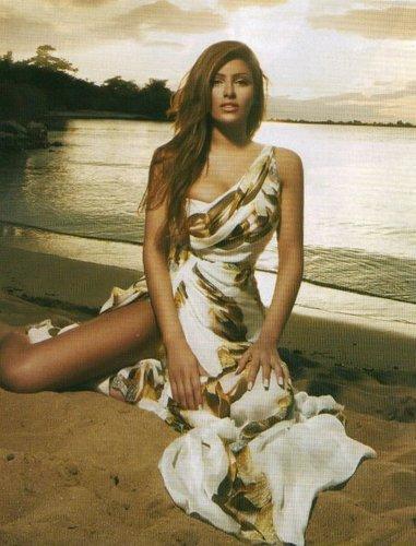 Helena Paparizou wallpaper probably containing a conch entitled Helena@big fish