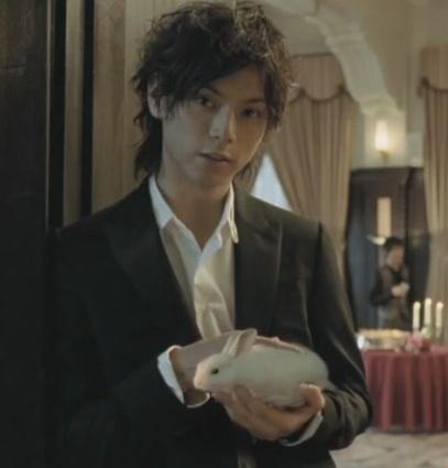 Hiro Mizushima hairstyle