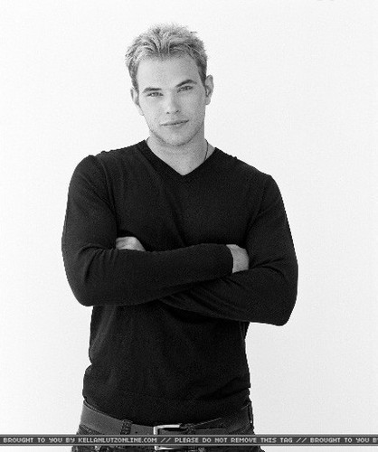 I <3 Kellan! How about you???