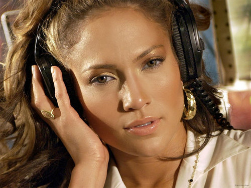 Jennifer Lopez wallpaper with a triceratops called Jennifer