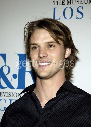 Jesse Spencer fond d'écran possibly with a portrait called Jesse