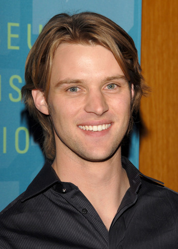 Jesse Spencer wallpaper containing a portrait titled Jesse