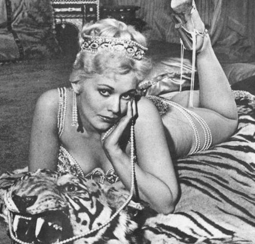 Classic Movies wallpaper possibly with a hot tub, a toaster, and a street titled Kim Novak