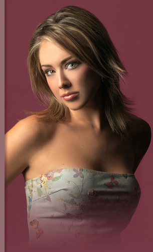 Lindsey McKeon wallpaper containing a portrait called Lindsey