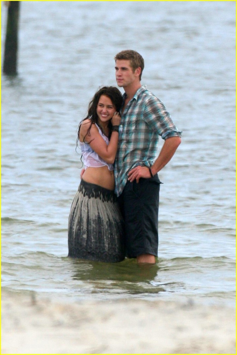 http://images2.fanpop.com/images/photos/6700000/Miley-Cyrus-Liam-Hemsworth-Last-Song-miley-cyrus-6714383-816-1222.jpg