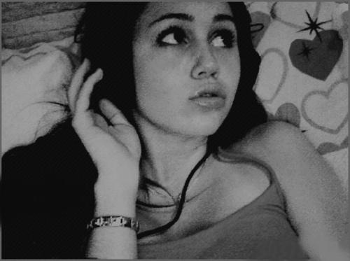 Miley Cyrus karatasi la kupamba ukuta probably with a fedora and a boater titled Miley Cyrus
