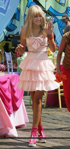 Miley Cyrus on the set of Hannah Montana the movie