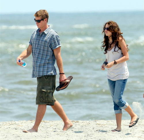"Miley & Liam on Set ""The Last Song"""