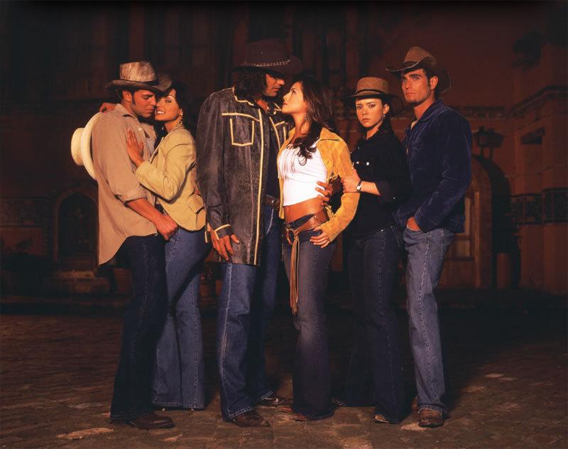 http://images2.fanpop.com/images/photos/6700000/Psuion-de-gavilanes-telenovelas-6747110-800-632.jpg