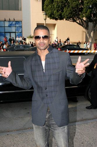 Criminal Minds Hintergrund containing a business suit, a suit, and a well dressed person entitled Shemar Moore