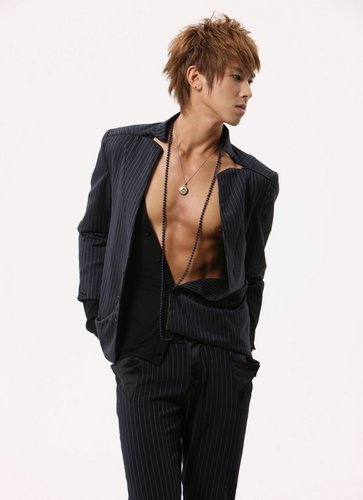 Hero Jae Joong Обои containing a well dressed person, a business suit, and a suit entitled TVXQ