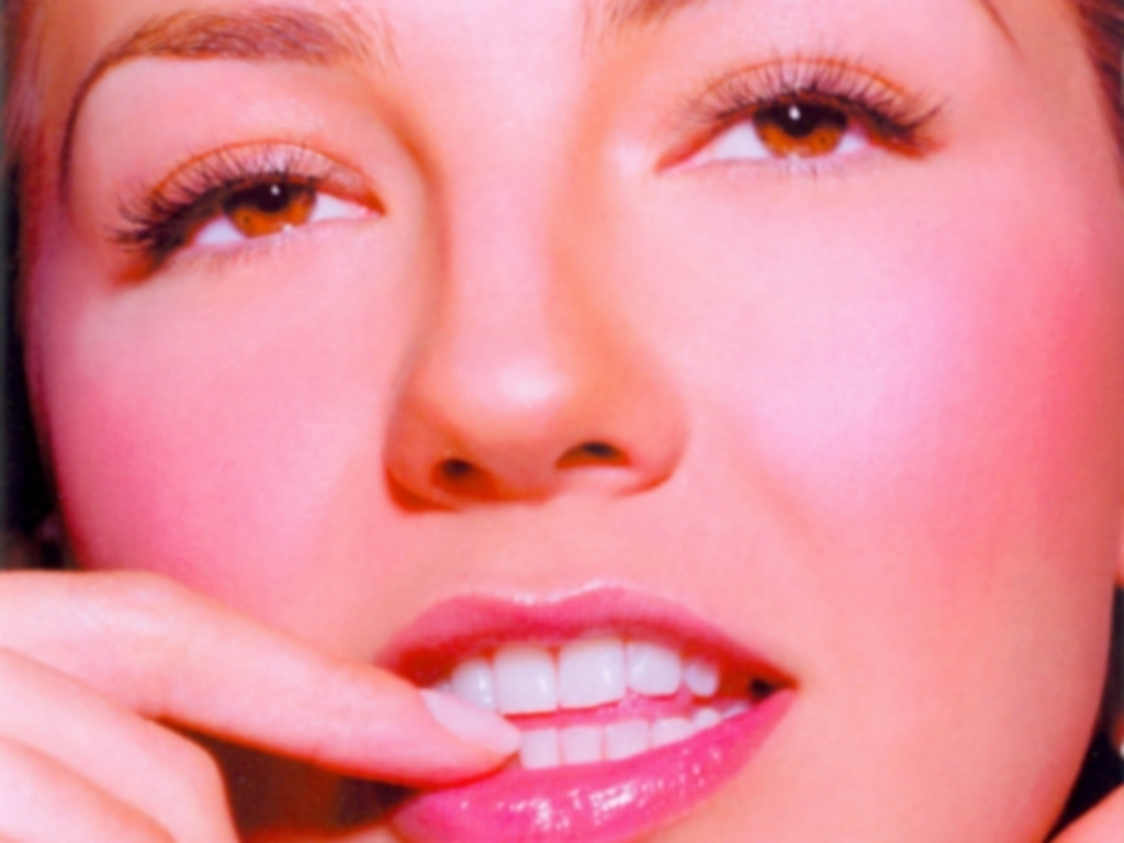 http://images2.fanpop.com/images/photos/6700000/Thalia-thalia-6706425-1024-768.jpg