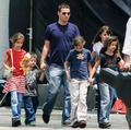 justin with his 5 kids!!!