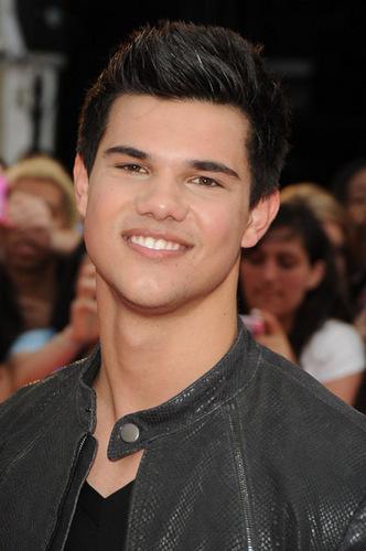**Taylor Lautner**