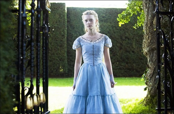 http://images2.fanpop.com/images/photos/6800000/Alice-Played-by-Mia-Wasikowska-OFFICIAL-alice-in-wonderland-2009-6807428-604-396.jpg