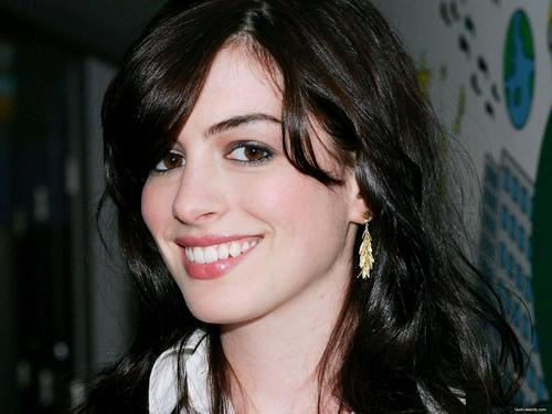 Anne - anne-hathaway Wallpaper