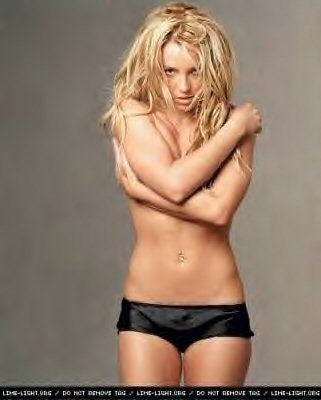 Britney Spears karatasi la kupamba ukuta probably containing a bikini and skin called Britney 2003