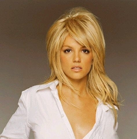 Britney Spears wallpaper containing a portrait titled Britney 2004