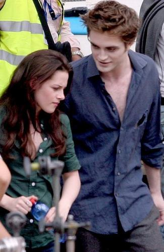 Edward Cullen And Bella Swan Dating In Real Life
