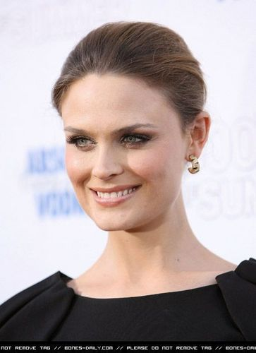 Emily Deschanel @ the Premiere Of 500 Days Of Summer