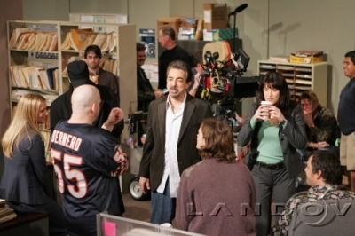 Emily Prentiss 壁纸 with a 阅读 room and an athenaeum titled Emily/Paget- Behind the scenes