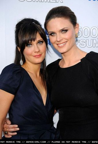 Emily & Zooey Deschanel @ the Premiere Of 500 Days Of Summer