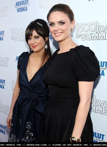 Emily & Zooey Deschanel @ the Premiere Of 500 Days Of Summer