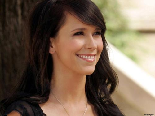 Jennifer Love Hewitt wallpaper with a portrait entitled Jennifer