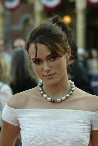 Keira Knightley wallpaper possibly with a bridesmaid titled Keira