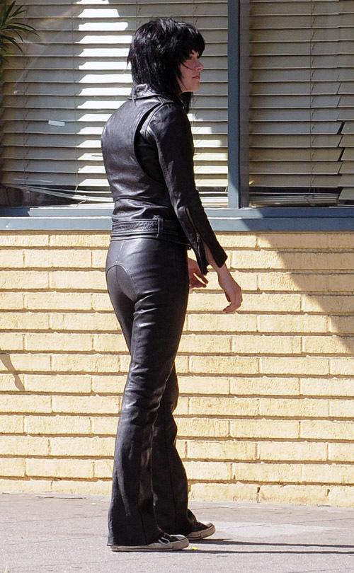 Kristen Stewart as Joan Jett - The Runaways Movie 500x810